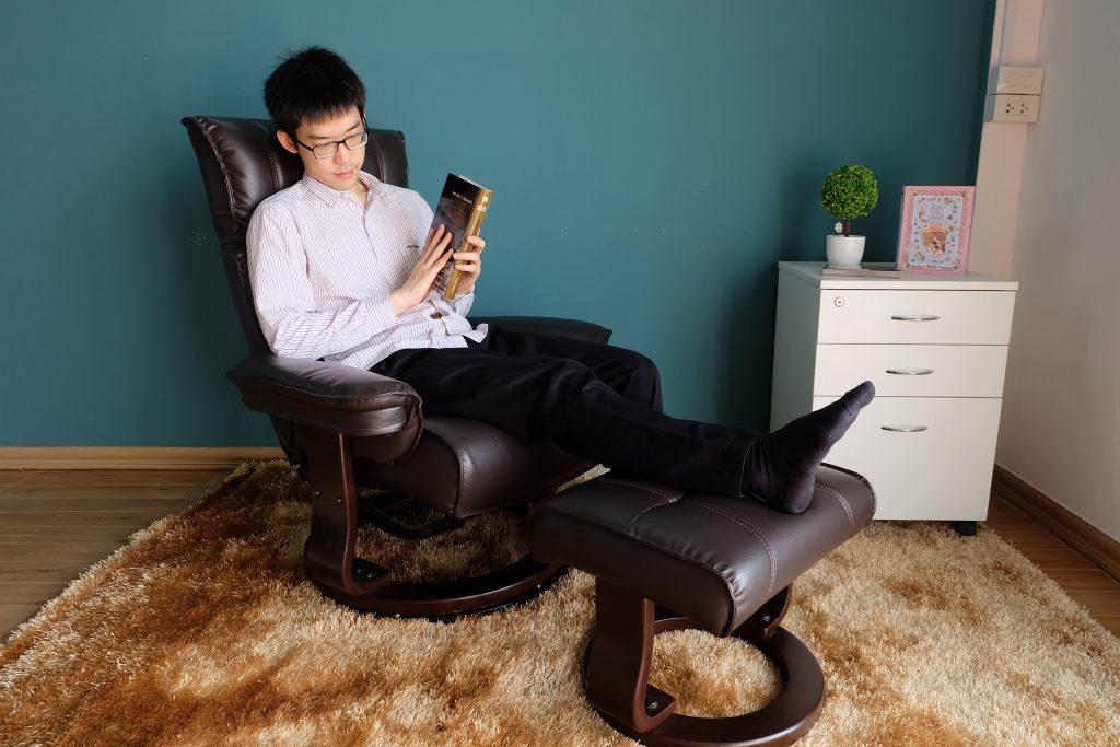 เก้าอี้พักผ่อน เก้าอี้สำหรับผู้สูงอายุ เก้าอี้ปรับนอน เก้าอี้หมุนได้ เก้าอี้หนังแท้